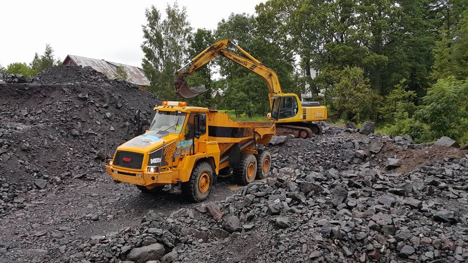 21 Tonns graver med vår egen dumper