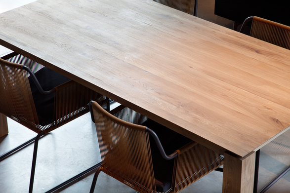 50571 Slice dining table - Oak.png