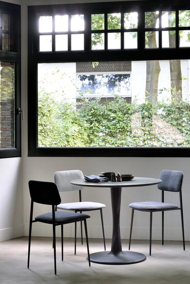 50011 Black Oak Torsion dining table & 6