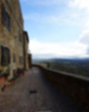 피엔자(Pienza) 성벽.jpg