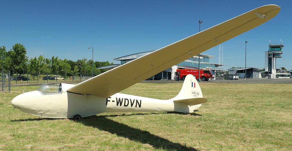 musée, aviation, Angers, Espace Air Passion, Arsenal AIR 100, Wichita Falls, Eric Nessler, 1947, Monument Historique