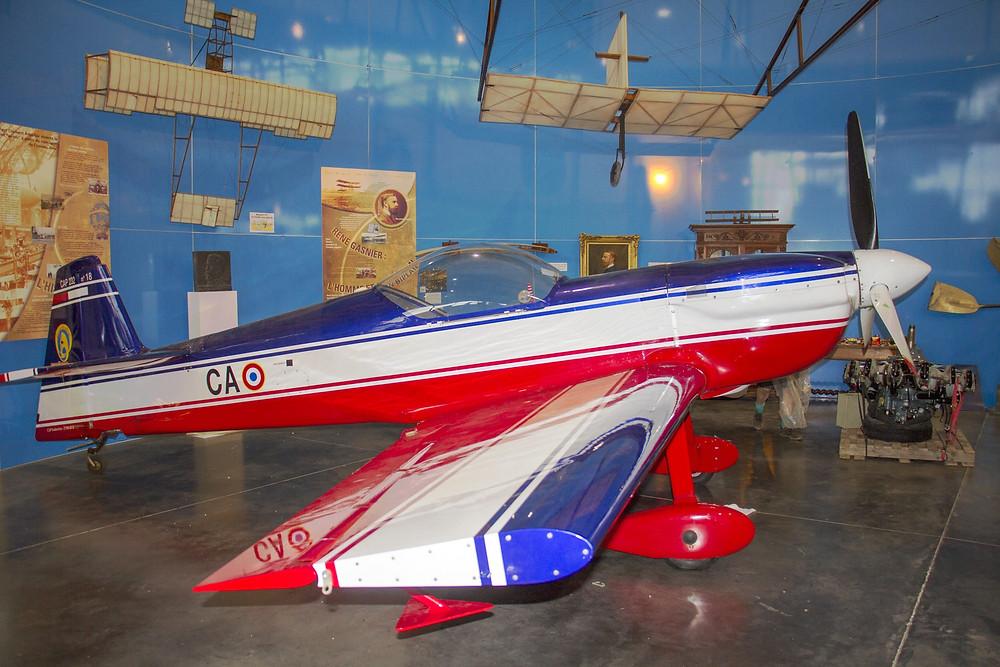 L'avion remonté sous l'aéroplane de René Gasnier