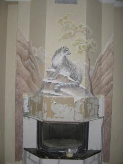 роспись барельефа на камине