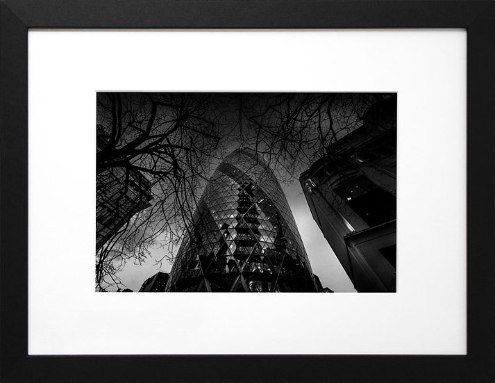 The Gherkin (City into the Darkness)