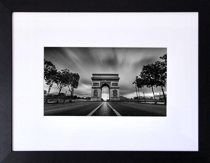 L'Arc de Triomphe (City into the Darkness)