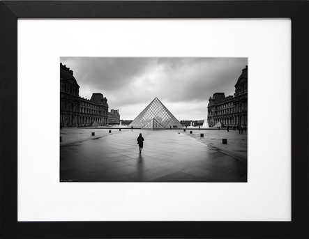 Pyramide du Louvre, Paris, 2009