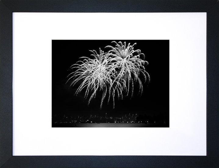 Fête du lac d'Annecy en noir et blanc