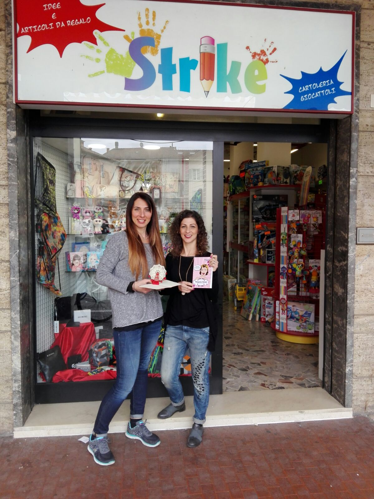 Cartoleria strike San Giovanni
