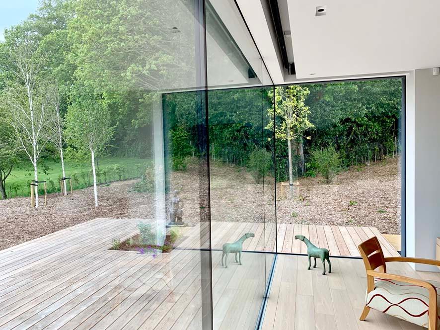Walled Garden Farringdon (Para 79/55), Design Review Panel Post completion Site Visit - frameless corner glazing detail