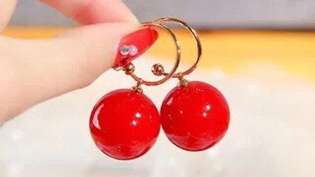 Red balls earrings