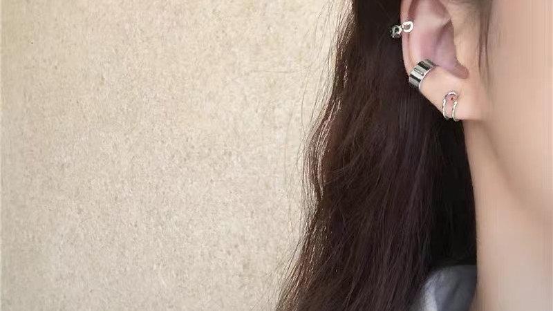 Silver Ear cuff set