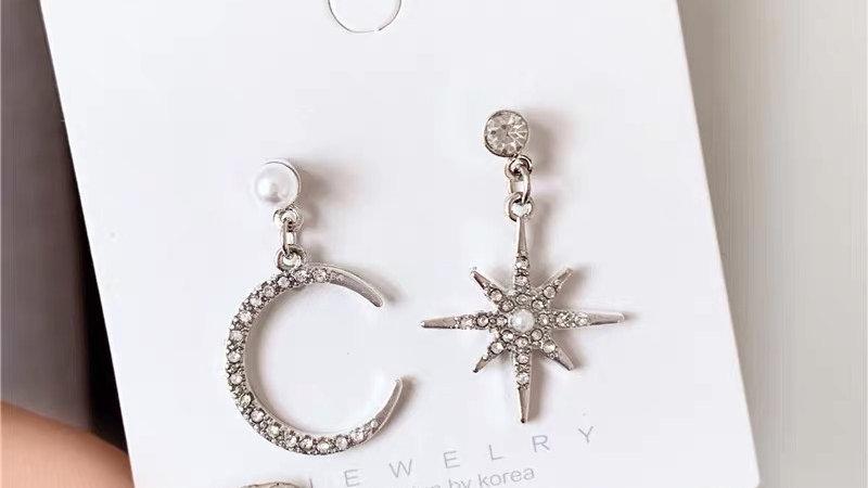 Rhinestone moon& star silver earrings