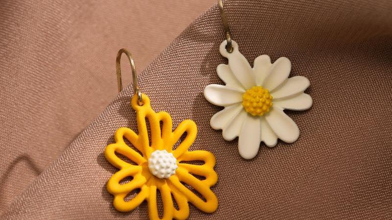 White & Yellow flower Earrings