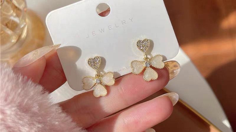 Opal clover earrings