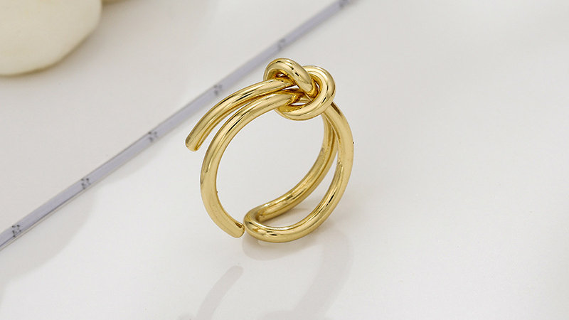 Adjustable gold-tone Ring