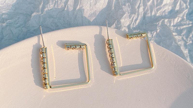 Gold-tone rhinestone Earrings