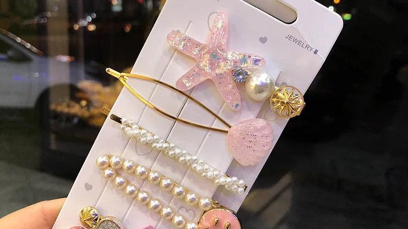 Pink hair pins set