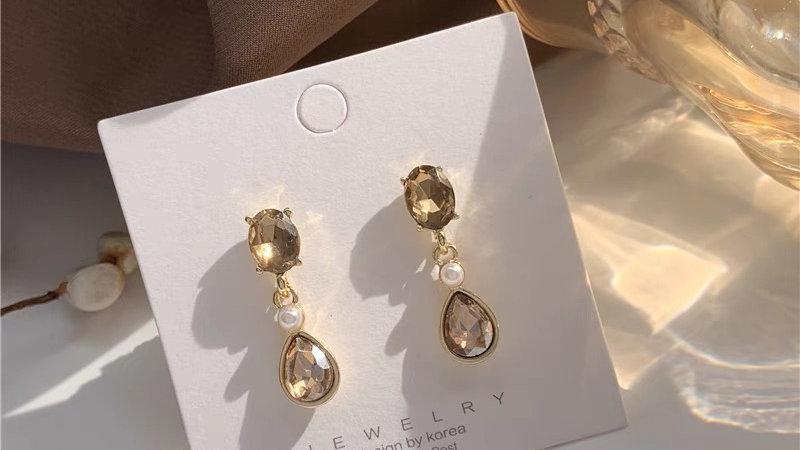 Gold yellow Sapphire earrings