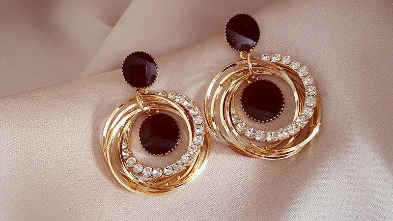 Black rhinestone circles earrings