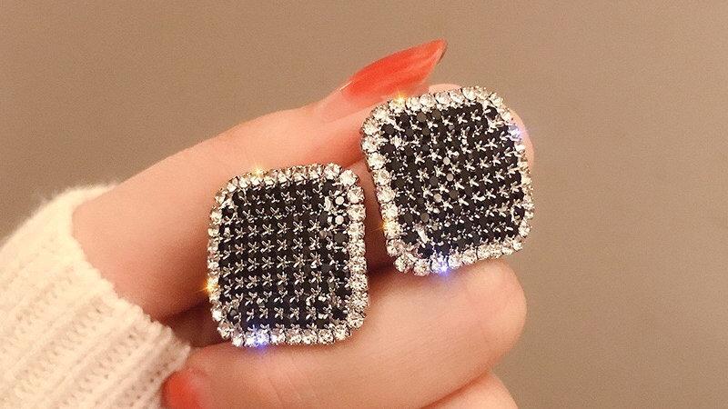 Black rhinestone square Earrings