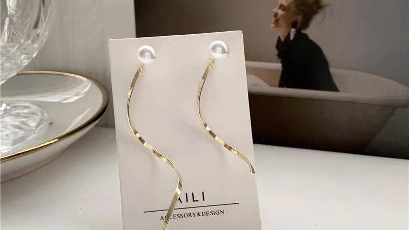 Gold &pearl earrings