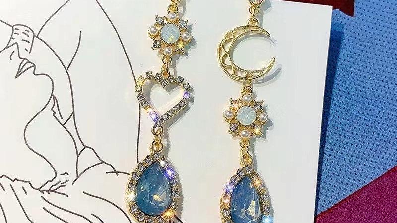Rhinestone & gem blue Earrings