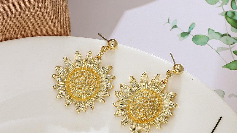 Gold-tone sunflower Earrings