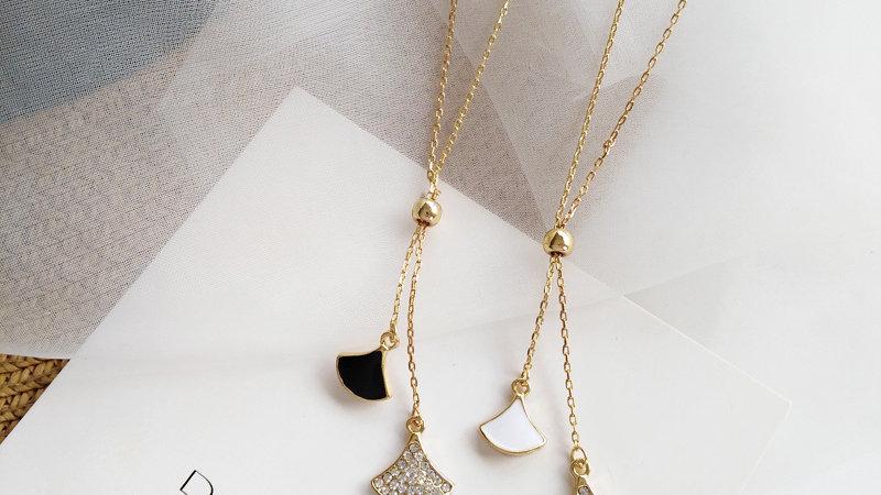 White/black rhinestone Necklace