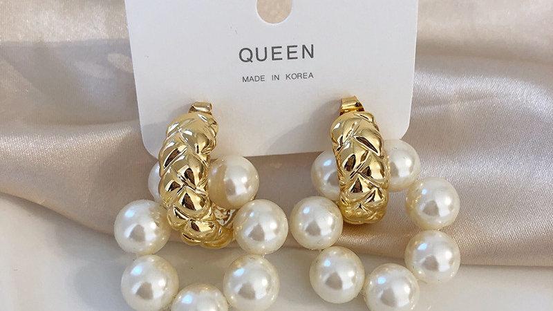 Gold & pearls Earrings
