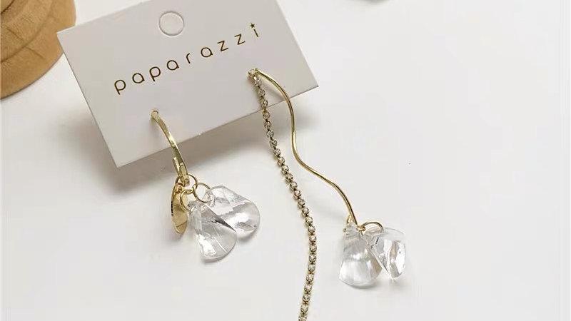 Gold &white flower asymmetric earrings