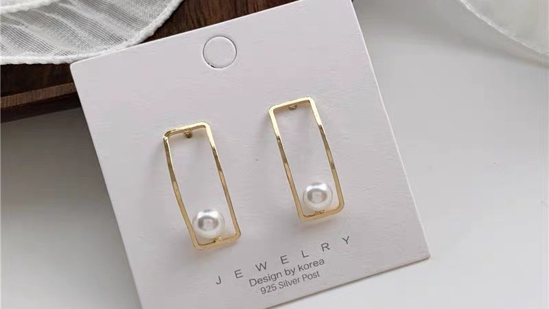 Pearl & gold square earrings