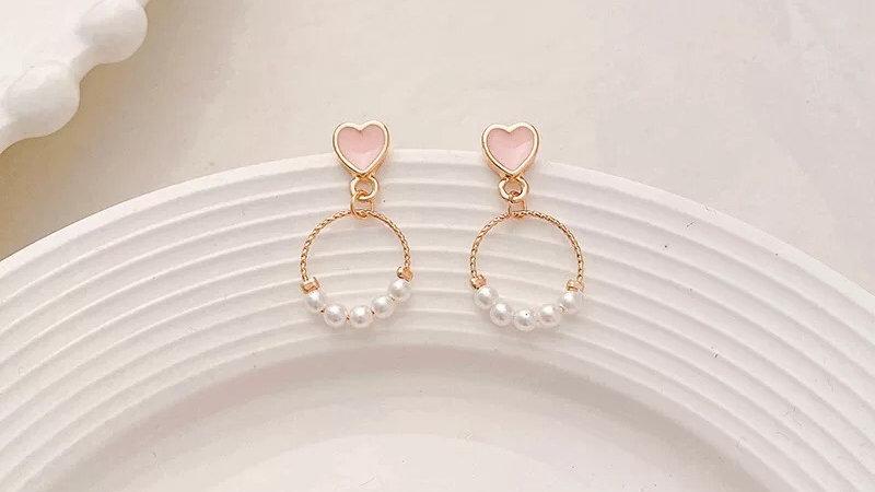 Pink heart & pearl earrings
