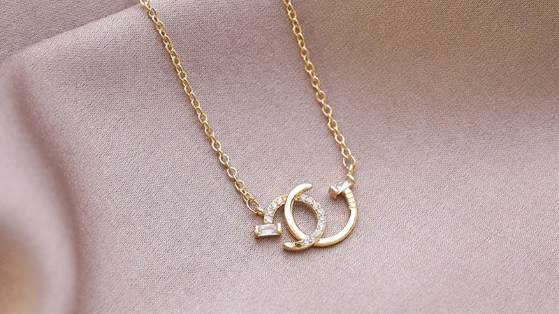 Gold plated double G necklace
