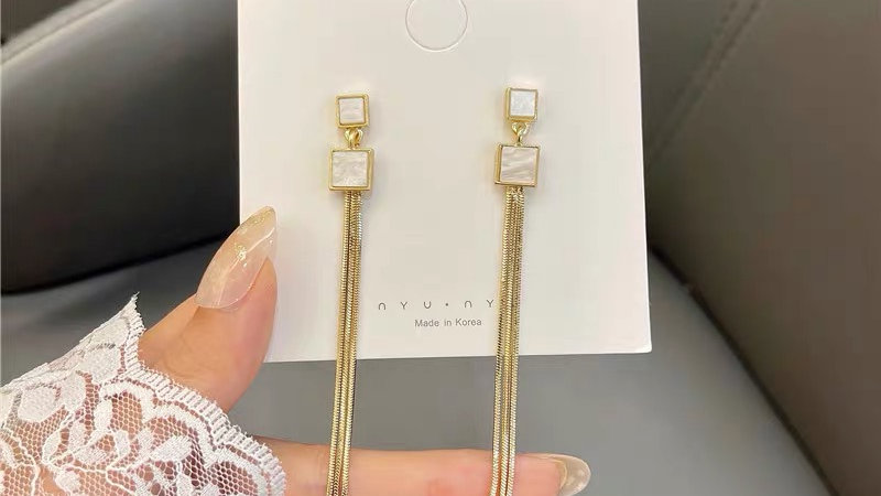 White square & gold tassels earrings