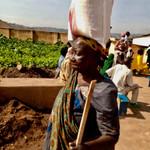 Nahrungsmittel für ältere Frauen PoorPoor Foundation