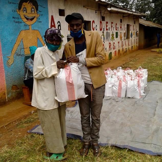4. PoorPoor Essensverteilung in Ost Ruan