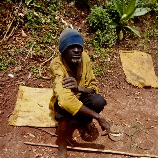 Verteilung an die Ärmsten in Ruanda PoorPoor Foundation