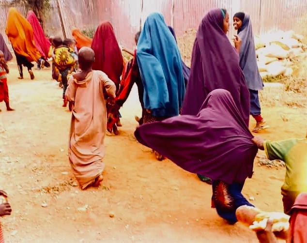 7000 Brote für Somalia PoorPoor