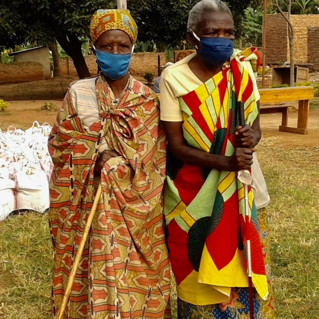 Nothilfepakete für die Ältesten in Ruand