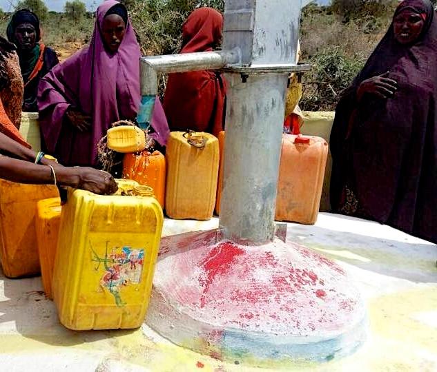 Menschen brauchen Wasser Baydhabo