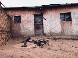 Schulsituation einer Microschool in Rwan