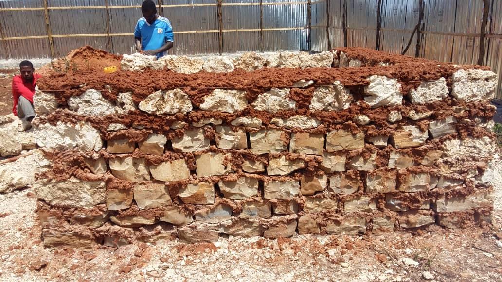 Bau eines Ofens in Somalia