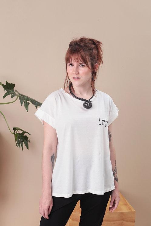 Camiseta I Need A Hug - Outfit4You