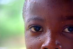 Enfant Jarawa de l'archipel des Andaman, Inde