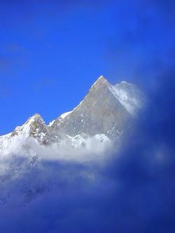 Machapuchare, montagne sacrée népalaise jamais gravie par l'homme
