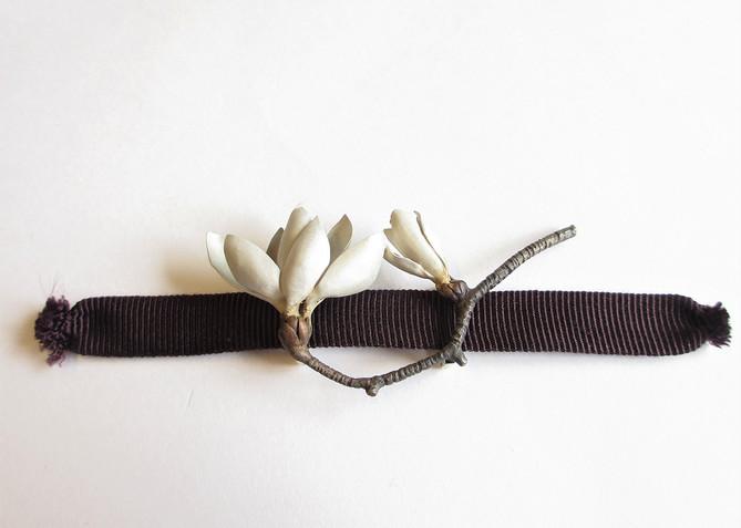 白木蓮帯留