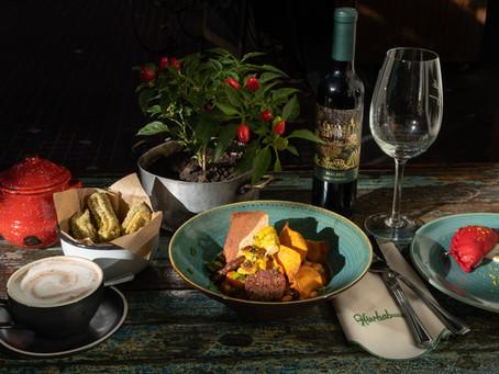 Un menú criollo y plant-based en Hierbabuena para el 25 de Mayo