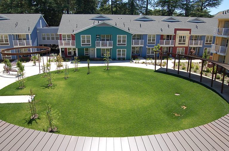 1200 Park Ave courtyard aerial.JPG