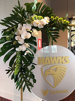 tropical arrangement for Hawthorn football club