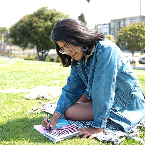 Meet Natalia Revelo, a vibrant illustrator from Barranquilla, Colombia.